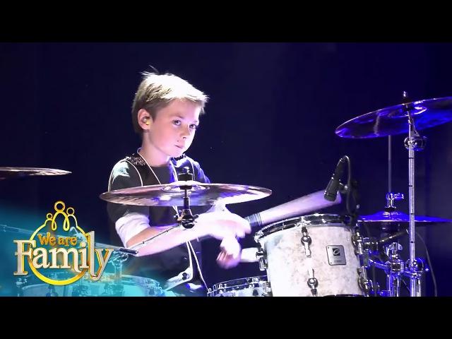 9 jarige Silvin drumt er op los We Are Family 2015 SBS6