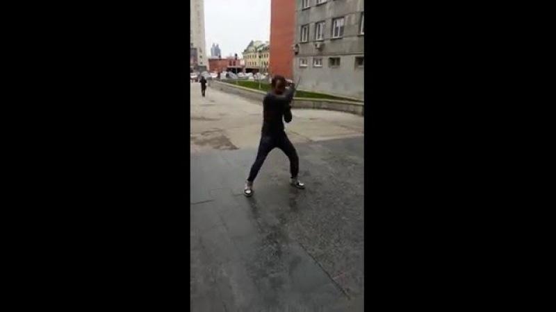 Танцы СибАГС Парень клево танцует 2