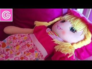 Игра в доктора. Детский канал Miss Beauty G играет в доктора и лечит куклу. Видео для девочек