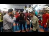 Визит Амир Хана в боксёрский зал в Карачи.