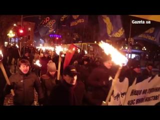 Львов отметил день рождение Бандеры факельным шествием