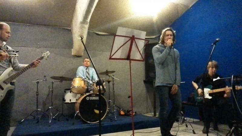 Алексей Бирюков поет блюз на нашей репетиции в январе 2015 года