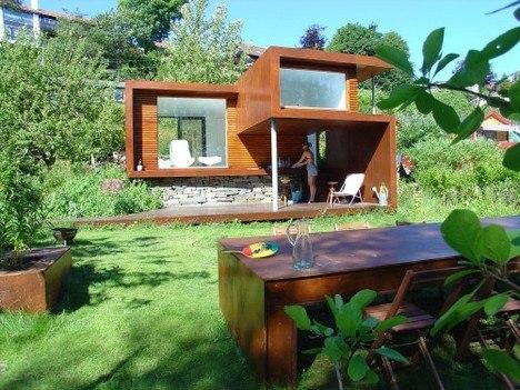 Маленький дачный дом в стиле минимализм
