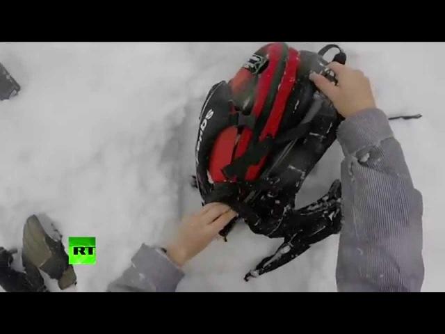 Лыжник заснял на GoPro как откапывает друга из под лавины