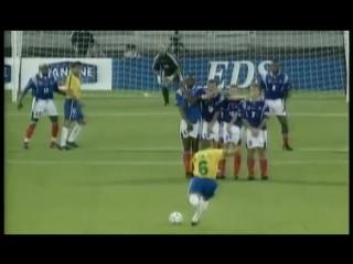 Роберто Карлос - лучший гол со штрафного. Roberto Carlos - the best free kick