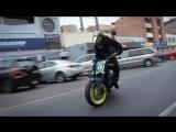 Как нужно ездить по городу на мотоцикле!))