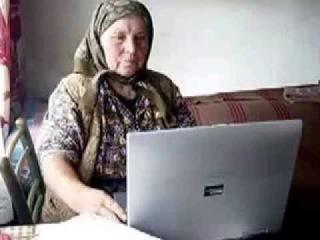 Бабка общается по скайпу - пранк