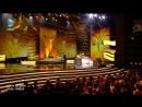 Бергюзар Корель   и Халит Эргенч на церемонии вручения наград телевизионной премии Altın Kelebek (Золотая бабочка).