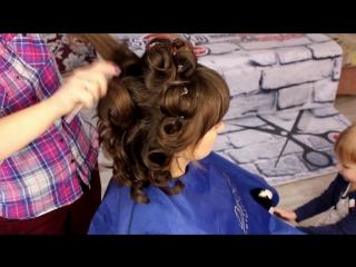 Прическа на новый год. Пучок из локонов. Hairstyle for the New Year. A Bundle of Curls
