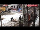Пожарным в Москве пришлось пробиваться к гидрантам через лёд