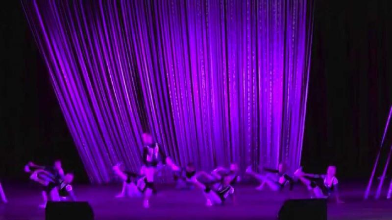Вверх тормашками. (The head down. Dance). Елены Барткайтис.