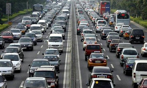 Türkiye'nin Bir Türlü Çözülemeyen Sorunu Trafikte 34 Saat Harcanıyor