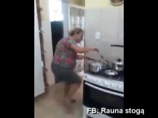 Танец на кухне