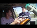 Украинский инспектор ГАИ говорит на Английском  Ukrainian cop speak English