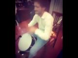[Kavkaz vine] от души играет на барабане