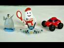 Распаковываем Киндер Сюрприз. Видео про игрушки для детей.