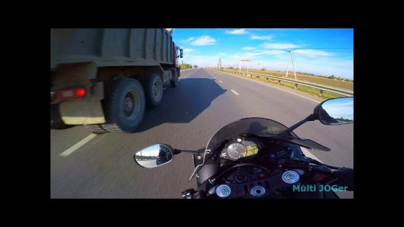 Yamaha R1 2012 crazy moto speed run on highway