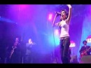 Amy Winehouse - Valerie (live at Eurockeennes)