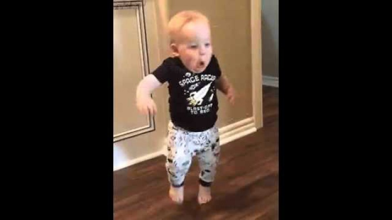 Малыш прибежал испугался убежал