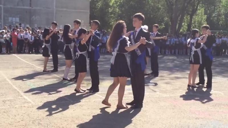 Прощальный вальс - выпускники 2014 года! (школа-лицей №28) [720p]