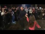 вот как должны девушки танцевать)
