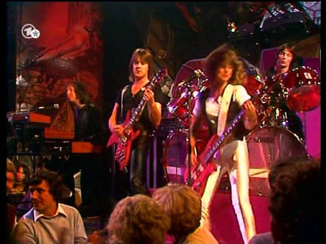 Suzi Quatro - She's In Love With You 1979 2