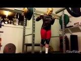 Мартэ Элверум (Marte Elverum) из Норвегии делает упражнение
