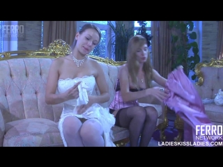 порно лесбиянки перед свадьбой