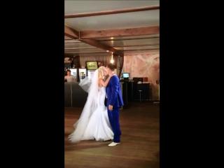 Свадебный танец молодых Ильи и Виктории с сюрпризом, постановка хореографа Герман Анны