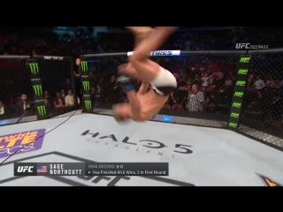 Как должен выглядеть 19-летний парень после первой победы в UFC