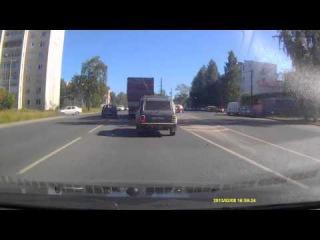 Полез на встречную полосу группа: http://vk.com/avtooko сайт: http://avtoregik.ru Предупрежден значит вооружен: Дтп, аварии,авар