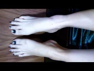 Bare feet & sexy long toe [ギリシャの足跡69]
