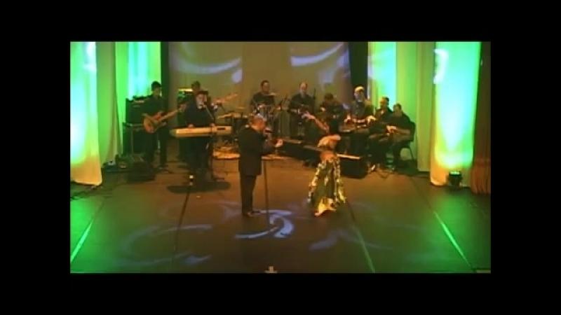 Aalíah no show de lançamento do cd vol.61 - Samya Farhan e Tony Mouzayek (Fakaro