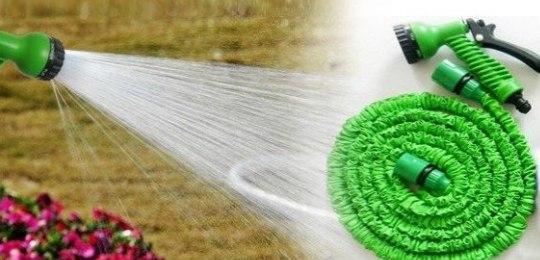 Садовые поливочные шланги Magic Xhose со скидкой 50%. При поступлении воды удлиняется в 3 раза, размеры в растянутом виде от 15 до 60 м.