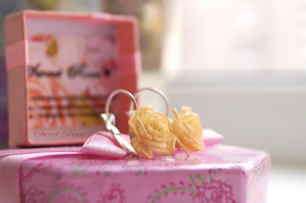 Серьги с реалистичными розами в цвете айвори… (1 фото) - картинка