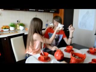 Что делают Даня и Кристи дома пока нет родителей! __ What are doing DanyaKristy alone at home!