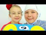 Смешное видео для детей. Настя, Ксюша - Бабушка и Внучка. ТАНЦЫ. Готовимся к Новому году!