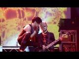 Adam Lambert kissing Tommy Joe Ratliff (Amsterdam paradiso 20-11-2010)
