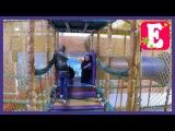 VLOG Ева идет в на детскую игровую площадку горки, лабиринт, качели, шарики, игровой зал
