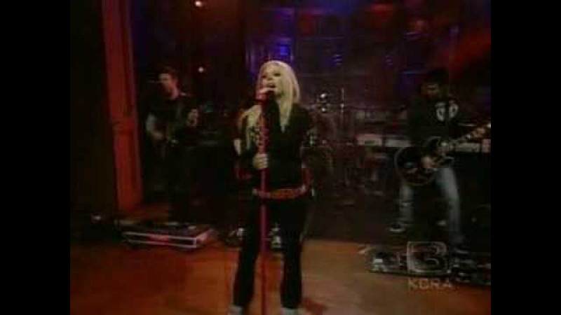 Avril Lavigne - When You're Gone (Live @ Regis Kelly 07.09.2007)