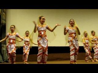 Индийский танец - детский ансамбль.