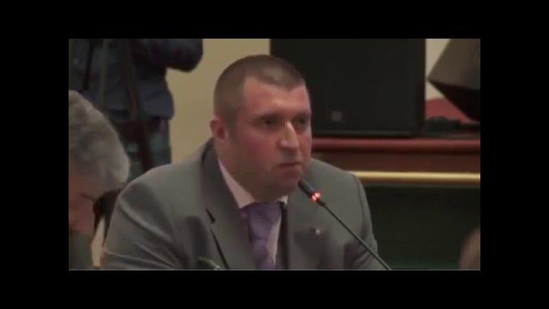 Бизнесмен Потапенко рубит правду - матку на форуме о реальном положении дел в э ...