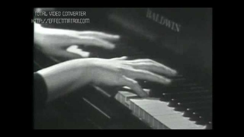 Ruth Slenczynska Rachmaninoff E flat major prelude (Рут Сленчиньска - музыка на кончиках пальцев)