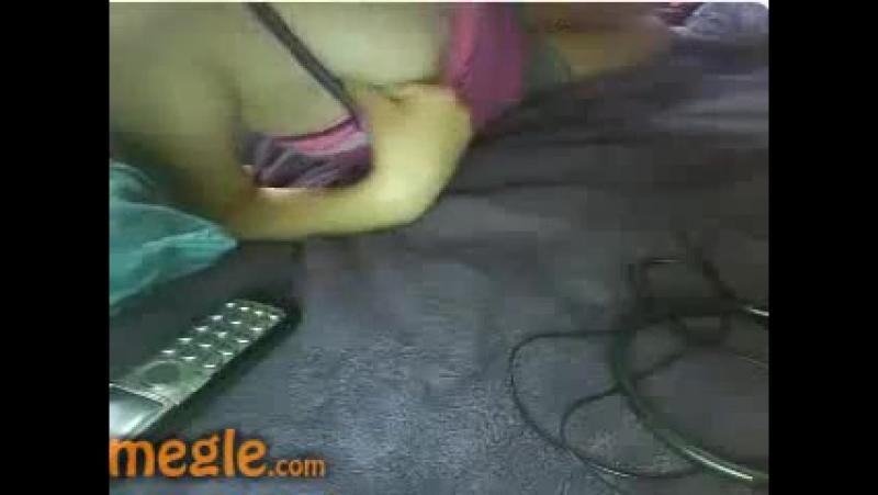 Показала грудь попку и киску сняла трусы перед вебкой в чате