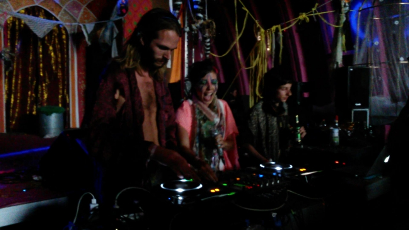 Voodoohop @ Fusion 2015 in Cabaret, Marinka URUBU A Macaca Peter Power