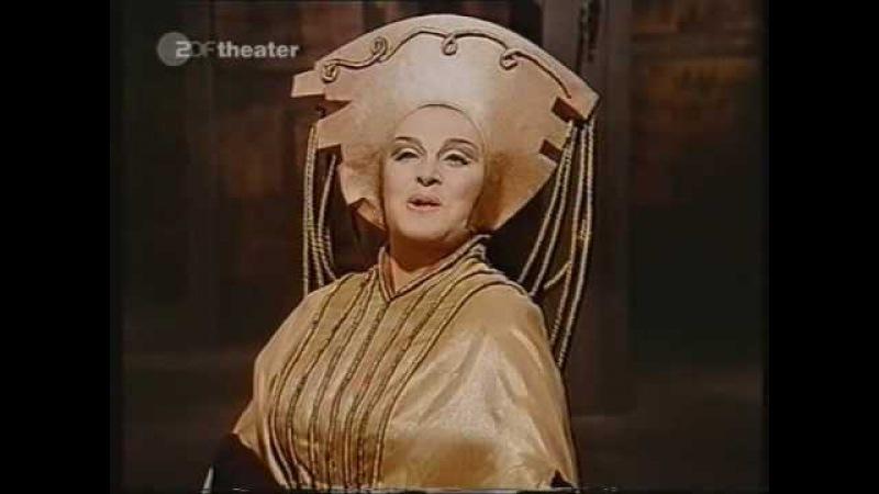 Birgit Nilsson as Lady Macbeth Nel di della vittoria