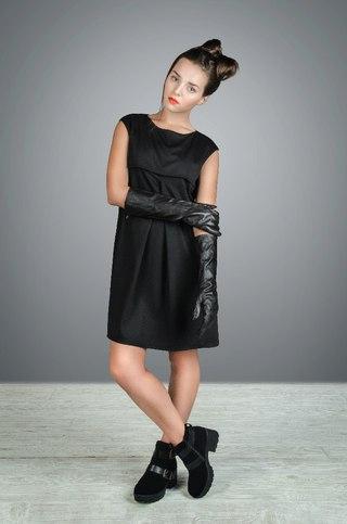 фото литл каприс в коротком платье
