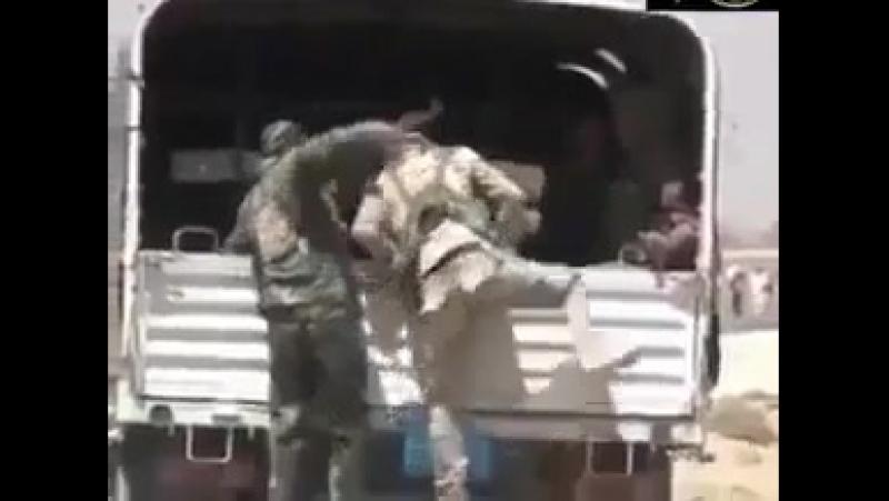 Армия Барзани PESHMERGE бегут из Шингала