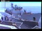 Корабль СССР - Таранит Боевой Эсминец США !!!