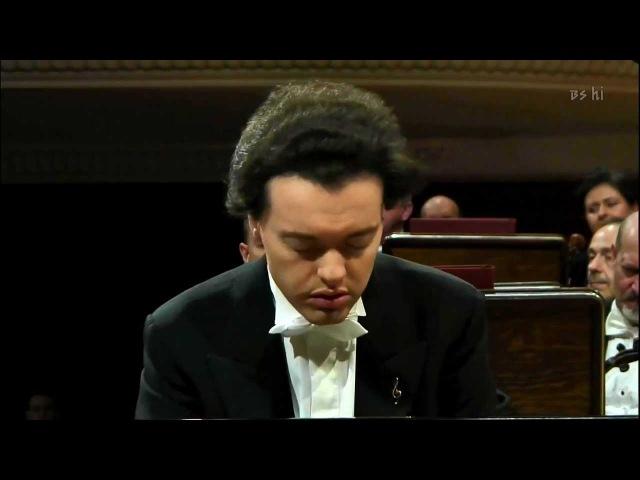 EVGENY KISSIN plays CHOPIN Waltz Op.64 n.2